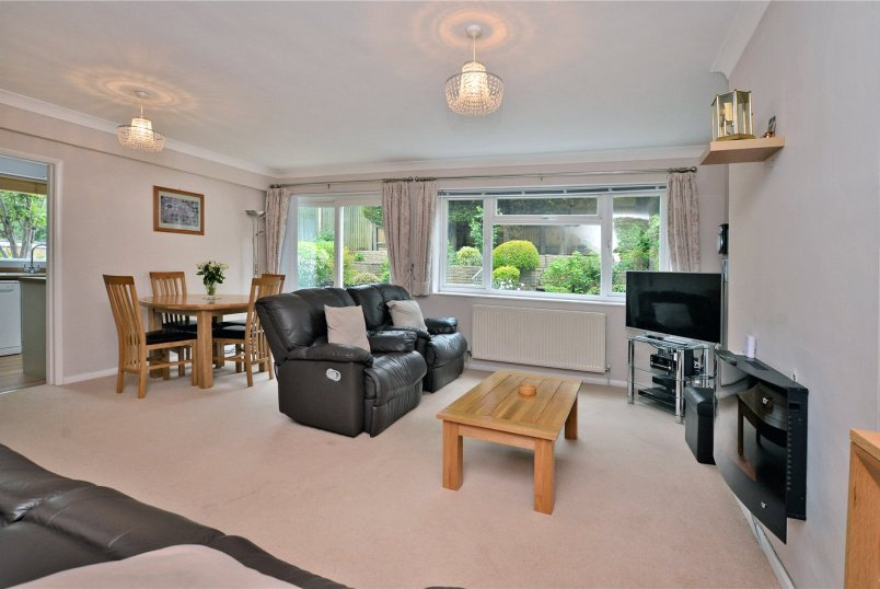 Maisonette for sale in Banstead - Castleton Close, Banstead, Surrey, SM7