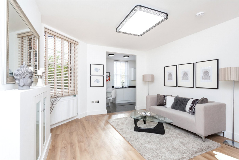 Flat/apartment for sale in Highbury - Fieldway Crescent, London, N5