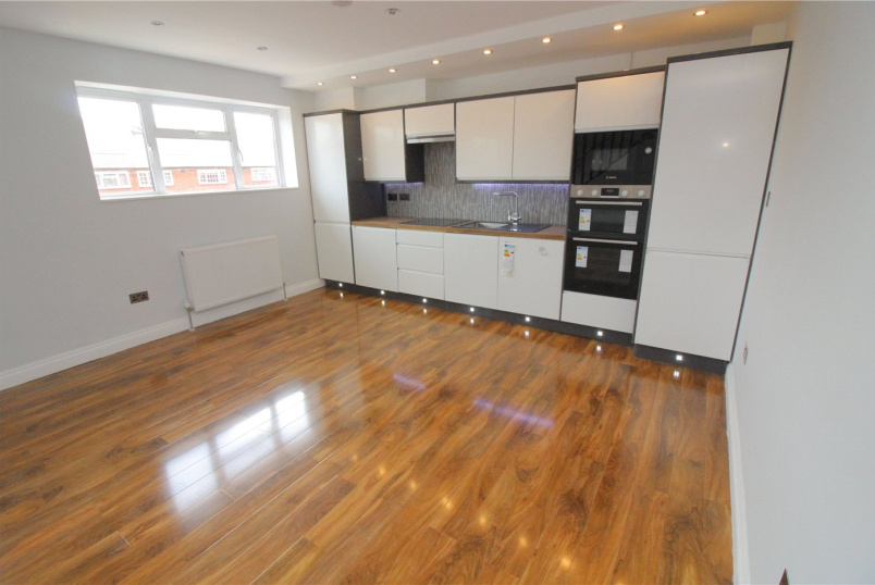 Maisonette for sale in  - Nicoll Way, Borehamwood, WD6