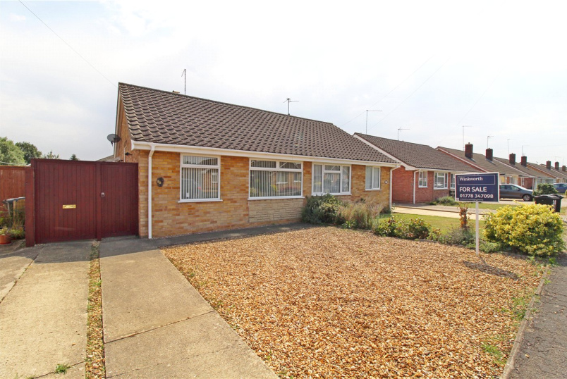 Bungalow for sale in Market Deeping - Lady Margarets Avenue, Market Deeping, Peterborough, PE6