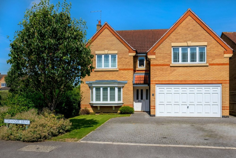 House for sale in Bourne - Coriander Drive, Bourne, Lincolnshire, PE10