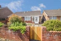 2 bedroom property to let in Wisteria Way, Howdale Road