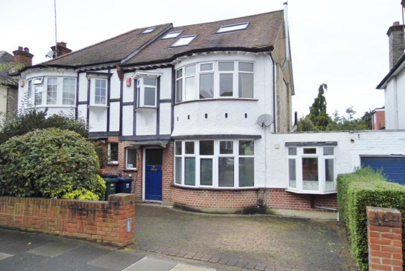 House to rent in Finchley - Brent Way, Finchley, N3