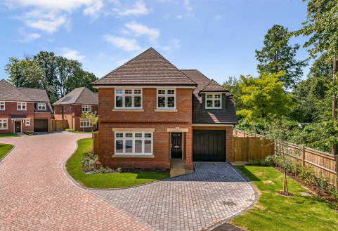 Croxford Close, Limes Avenue, Horley, RH6