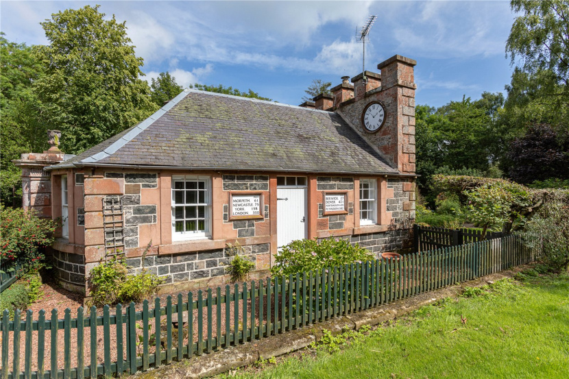 Carousel image 1 of East Clock Lodge, Gordon, Berwickshire, TD3