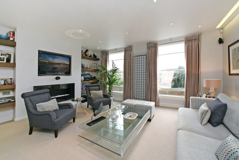 House - terraced to rent in  - LOUDOUN ROAD, NW8 0ND