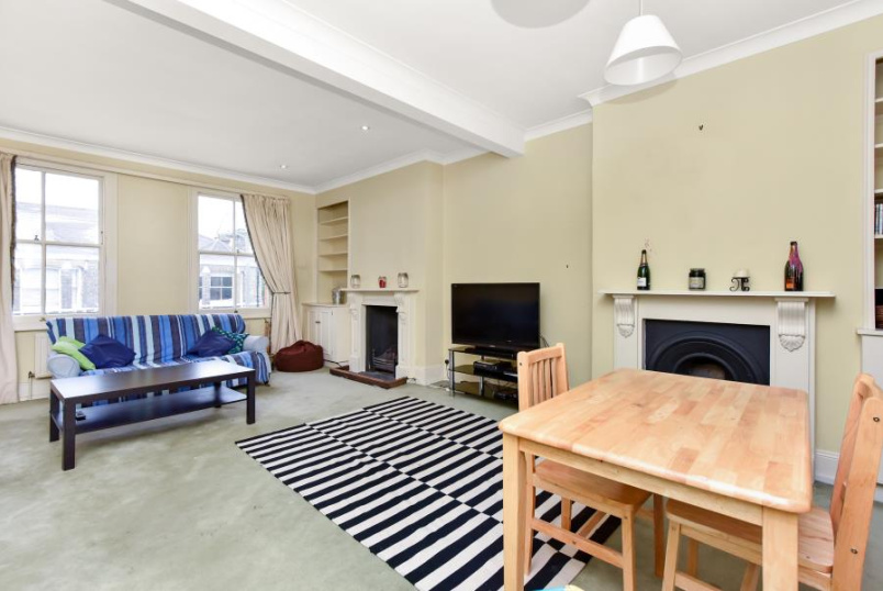 House - terraced to rent in Clapham - PRAIRIE STREET, SW8