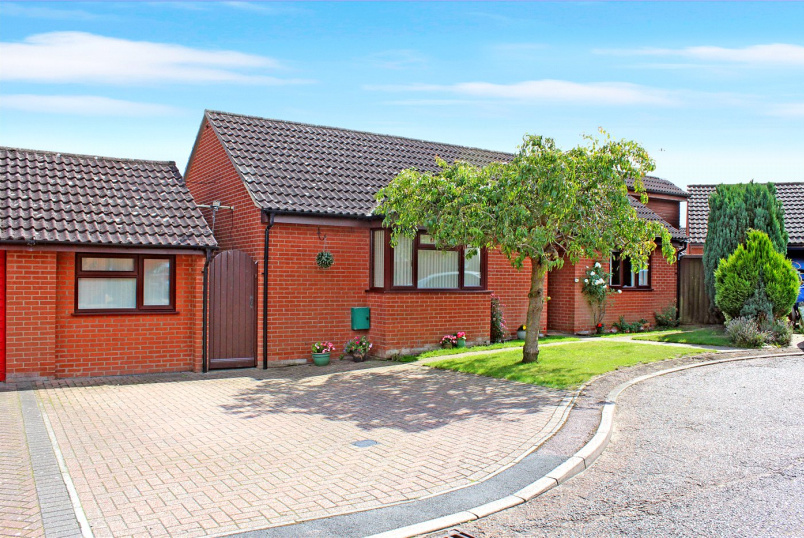 Bungalow for sale in Poringland - Warren View, Loddon, Norwich, NR14