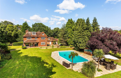 Horsell, Woking, Surrey, GU21