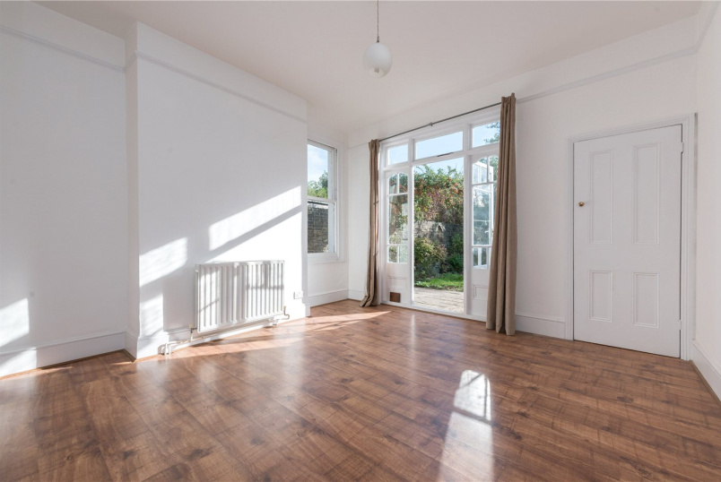 Flat/apartment to rent in Kensal Rise & Queen's Park - Lushington Road, Kensal Green, NW10