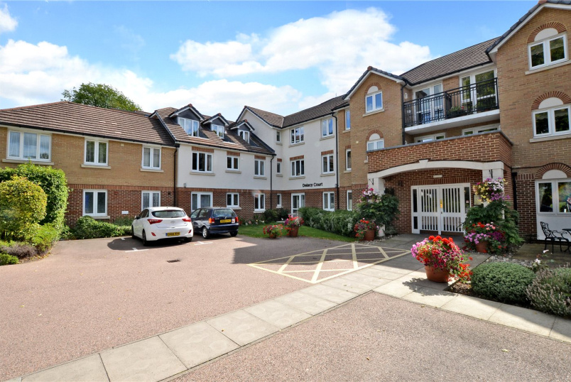 Flat/apartment for sale in Cheam - Delacy Court, 34 Queens Road, Sutton, SM2