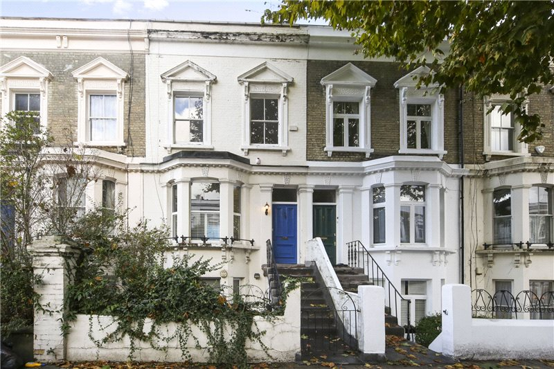 Maisonette to rent in Shepherds Bush & Acton - Loftus Road, London, W12