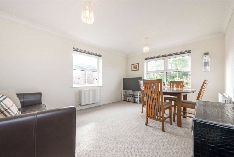 Flat/apartment to rent in Kensal Rise & Queen's Park - Manor Lodge, 223 Willesden Lane, London, NW2