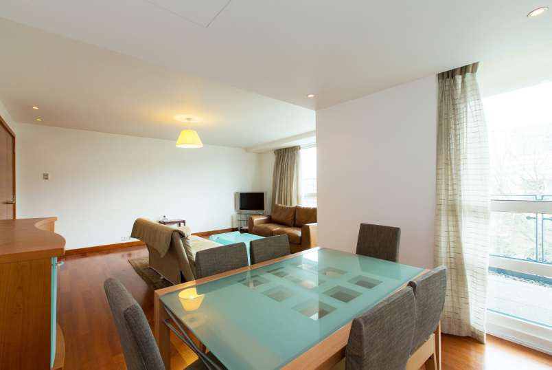 Flat to rent in St Johns Wood - PAVILION APARTMENTS, NW8