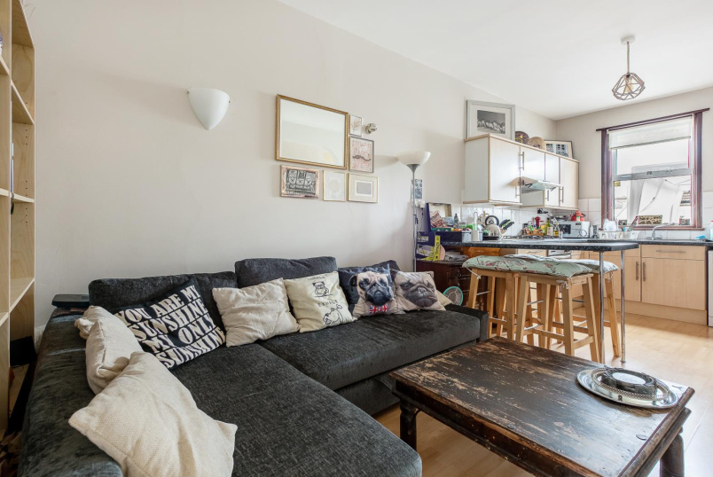 Flat for sale in Battersea - INWORTH STREET, SW11