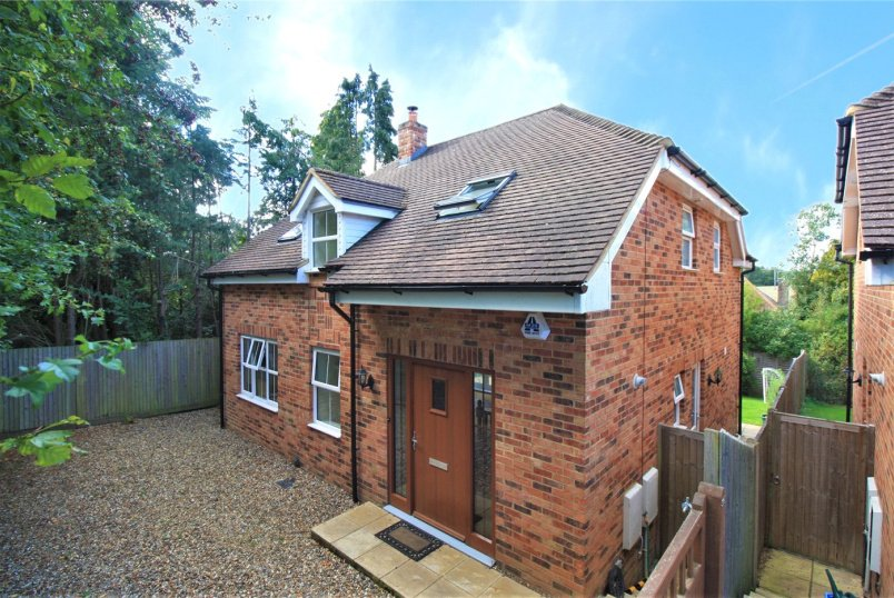 House for sale in  - Gurnells Road, Seer Green, Beaconsfield, HP9
