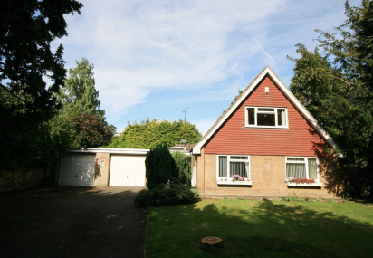 Lodge Avenue, Collingtree, Northampton, NN4
