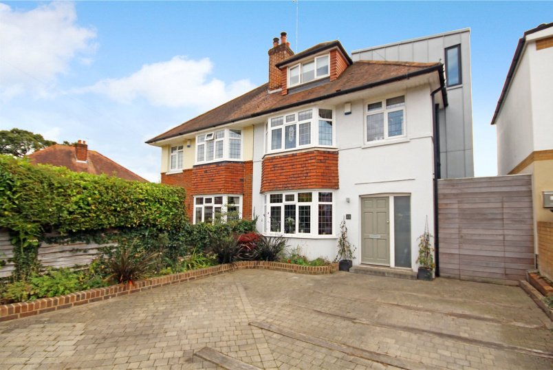House for sale in Poole - Worthington Crescent, Lower Parkstone, Poole, BH14