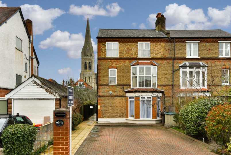 House for sale in Surbiton - Ditton Road, Surbiton, KT6