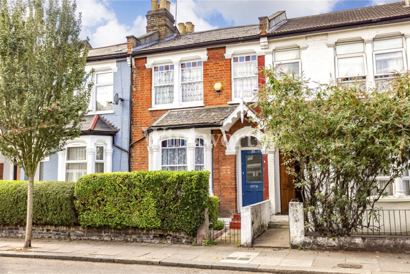 House for sale in Harringay - Waldegrave Road, London, N8