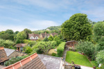 Close to stunning countryside and train station 9