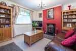 Close to stunning countryside and train station 10
