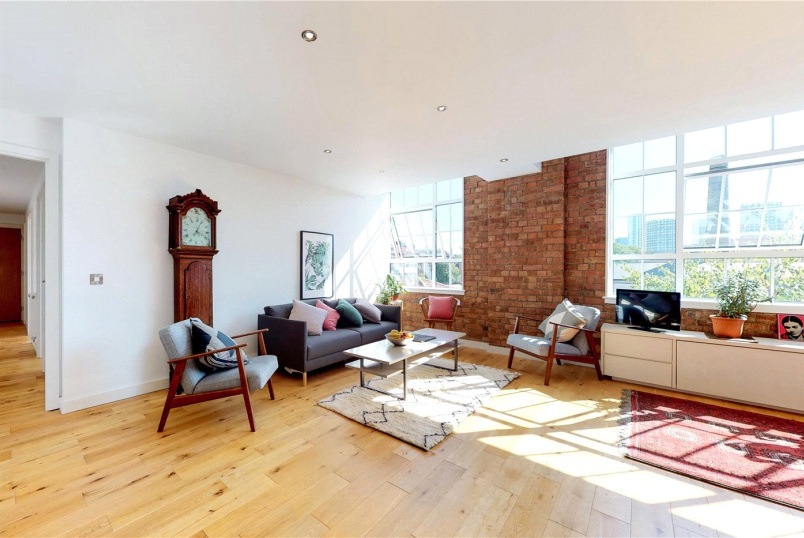 Flat/apartment to rent in Shoreditch - Princelet Street, Spitalfields, London, E1