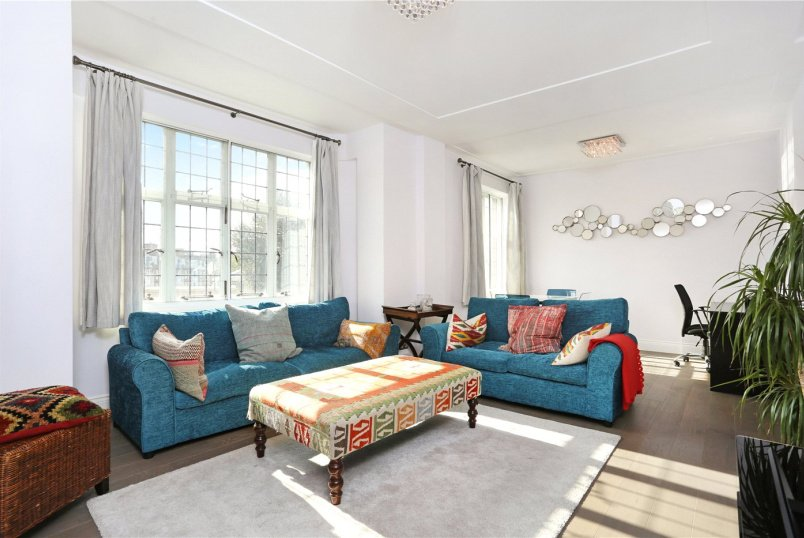 Flat/apartment to rent in Knightsbridge & Chelsea - Crompton Court, 276 Brompton Road, SW3