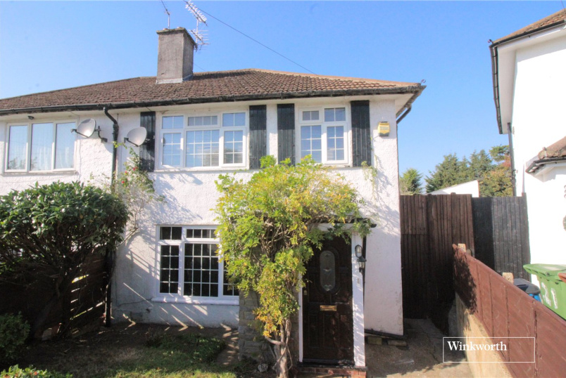House for sale in Borehamwood & Elstree - Delius Close, Elstree, Borehamwood, WD6