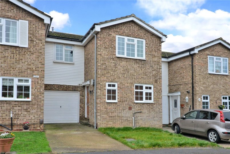 House to rent in Worcester Park - Penshurst Way, South Sutton, Surrey, SM2