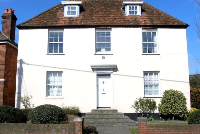Flat/apartment to rent in Romsey - Winchester House, 112-114 Winchester Road, Romsey, SO51