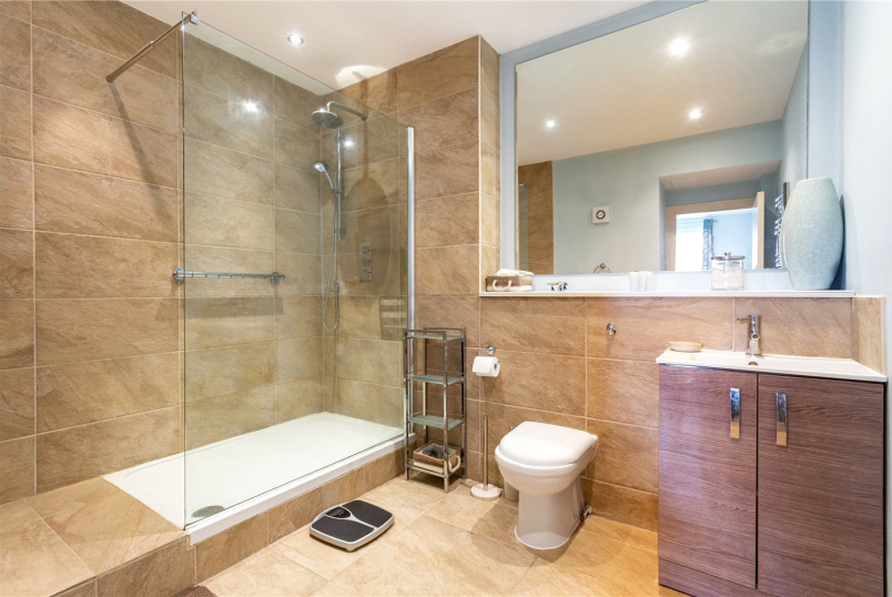 Flat/apartment for sale in Crystal Palace - Rosemount Court, 99 Ross Road, London, SE25