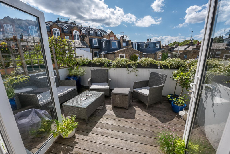 Apartment for sale in Clapham - SILVERTHORNE ROAD, SW8