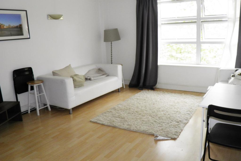 Flat/apartment to rent in Surrey Quays - Buchanan Court, Worgan Street, London, SE16