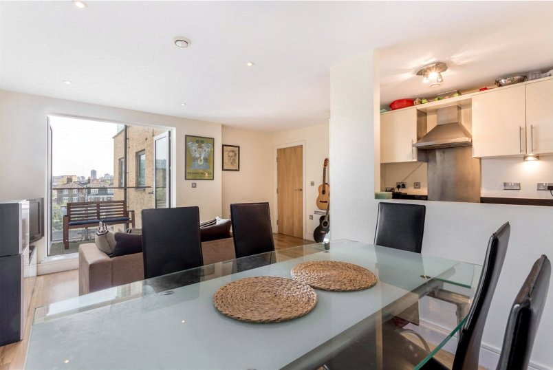Flat/apartment to rent in Shoreditch - Cheshire Street, London, E2