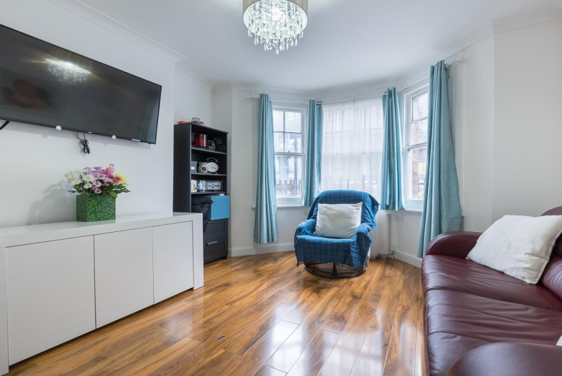 Flat for sale in Clapham - STEWART'S ROAD, SW8