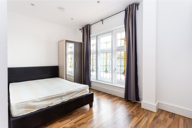Flat/apartment to rent in Shoreditch - Doros House, 12 Cambridge Heath Road, London, E1