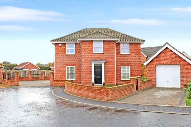 House for sale in Poringland - Trafford Way, Spixworth, Norwich, NR10