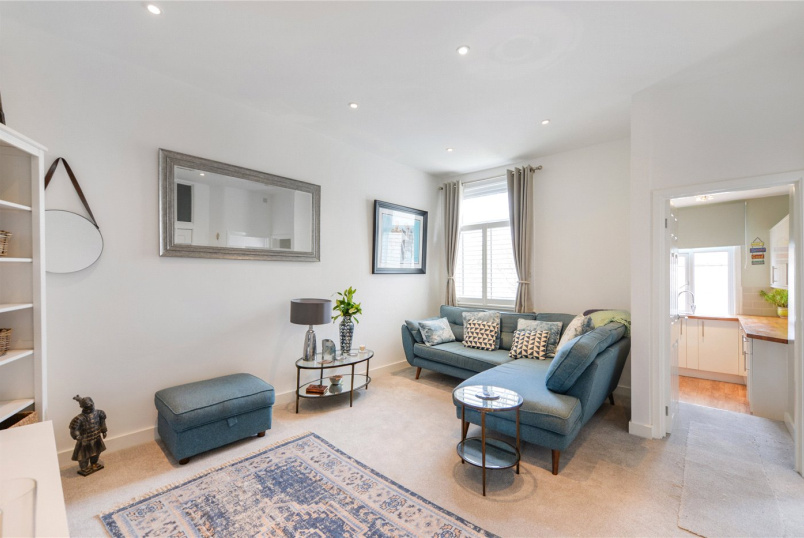 Flat/apartment for sale in Tooting - Park Avenue, Mitcham, CR4