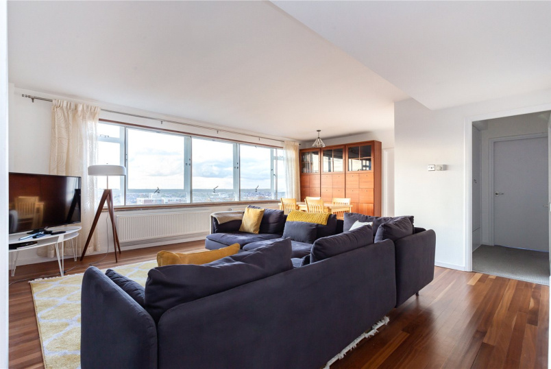 Flat/apartment for sale in Crystal Palace - Drake Court, Tylney Avenue, London, SE19
