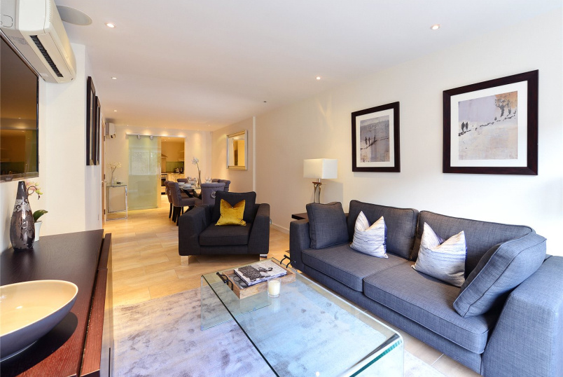 Flat/apartment to rent in Kensington - Young Street, Kensington, W8