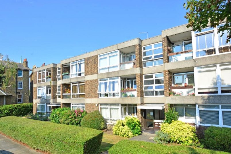 Flat/apartment for sale in Blackheath - St James Court, Wricklemarsh Road, Blackheath, SE3