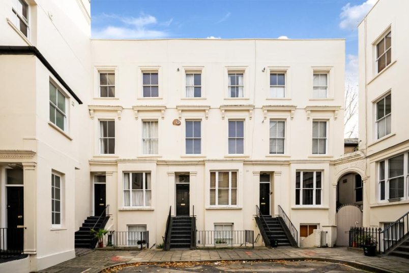 Flat to rent in St Johns Wood - BELGRAVE GARDENS, NW8 0RE