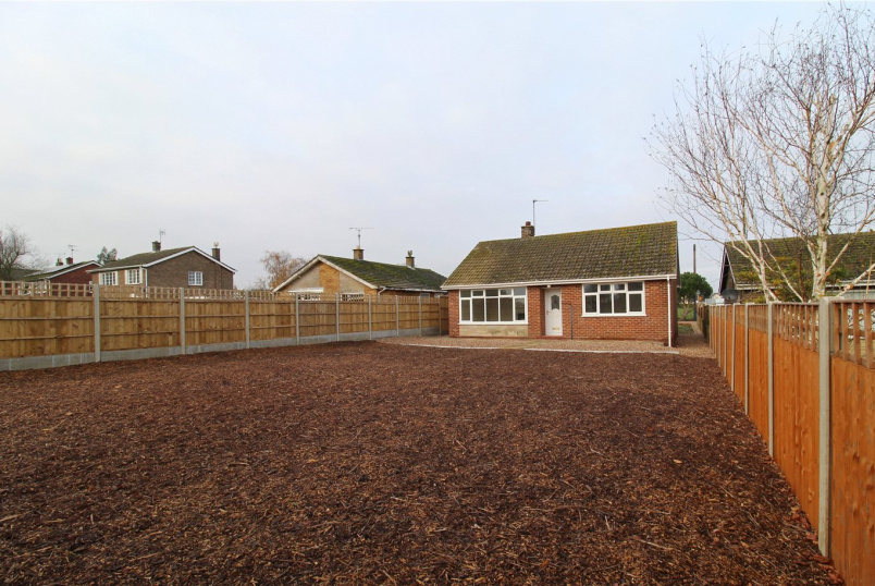 Bungalow for sale in Market Deeping - Campains Lane, Deeping St. Nicholas, Spalding, PE11