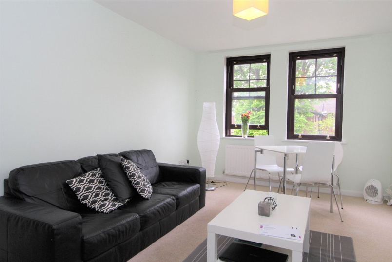 Flat/apartment to rent in Ealing & Acton - York Road, Acton, W3