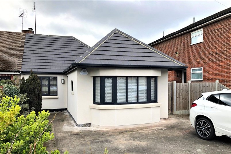 Bungalow to rent in Leigh-on-Sea - Warwick Road, Rayleigh, Essex, SS6