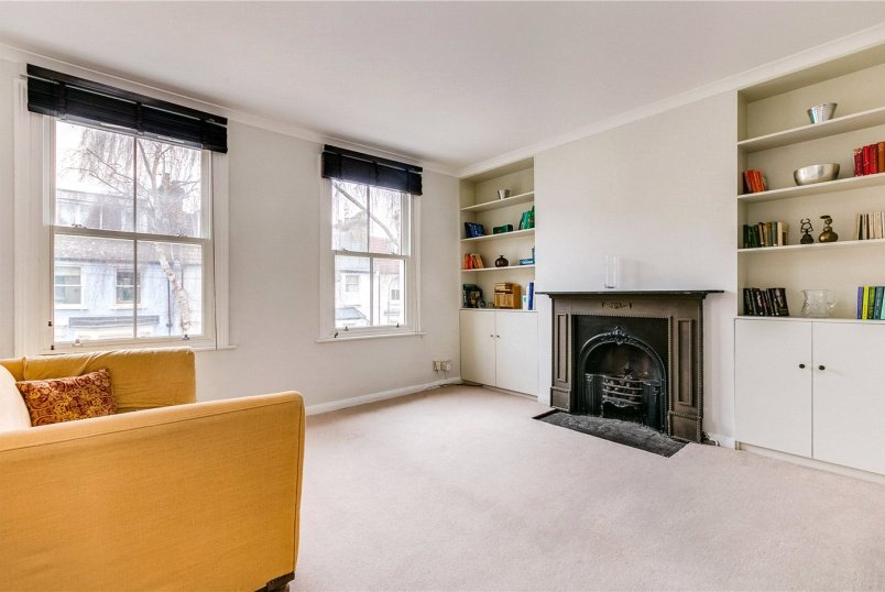 Maisonette to rent in Fulham & Parsons Green - Archel Road, London, W14