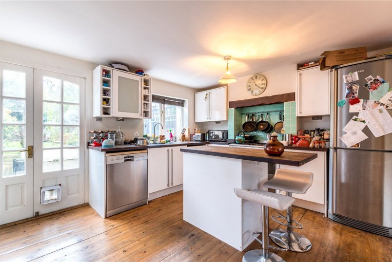 House to rent in  - Whateley Road, East Dulwich, SE22
