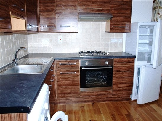 Flat/apartment to rent in Kingsbury - Church Lane, London, NW9