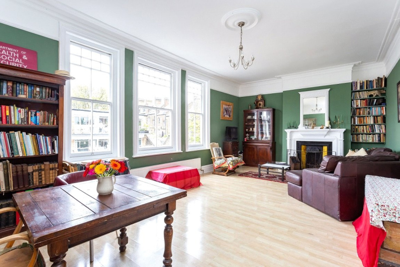 Flat/apartment for sale in Kentish Town - Tudor Mansions, Chetwynd Road, London, NW5